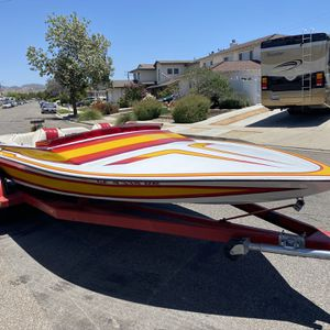 """1984 Dana 19"""" Jet boat With Newly Rebuilt Engine, over 500 Horsepower for Sale in Simi Valley, CA"""