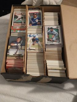 Box Full Of Baseball Cards Including 35+ Rookie Cards for Sale in Lake Stevens,  WA
