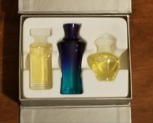 Mary Kay 'Scents Of Style' Box Set of Travel Fragrances for Sale in Middleburg, FL