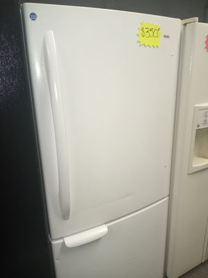 KENMORE BOTTOM FREEZER FRIDGE WORKING PERFECT W/4 MONTHS WARRANTY for Sale in Baltimore, MD