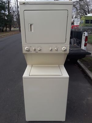 Washer/dryer (gas) stackable for Sale in Trenton, NJ
