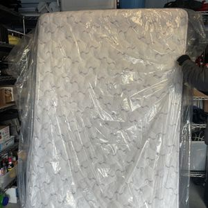 Full Size Mattress, Box Spring, And Frame for Sale in Sammamish, WA