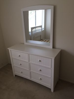 Dresser with Mirror, White, #CM7905WH for Sale in Pico Rivera, CA