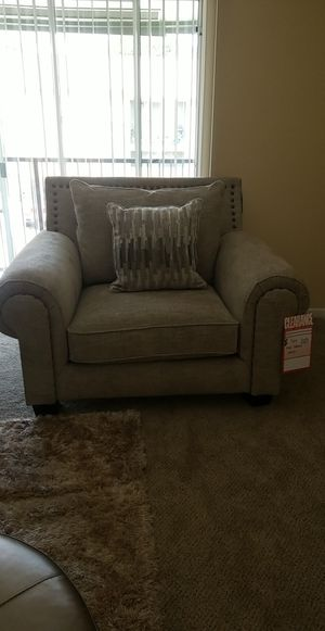 BRAND NEW OVERSIZED CHAIR for Sale in Houston, TX