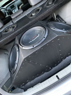 Pioneer 12s or 15s speakers for trunk for Sale in Richmond, CA