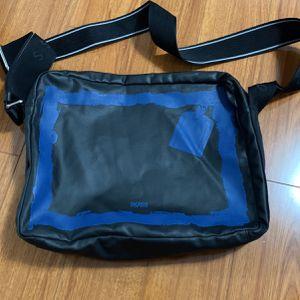 Boss Hugo Boss Cow Skin Men's Messenger Bag for Sale in La Palma, CA