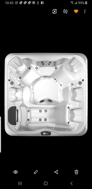 Bullfrog A7L 7 person hot tub with lounger. 3 years old. for Sale in Keller, TX