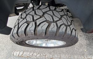 Rims and tires for sale...set de 4 ..chrome 20x10 tires 30.5..universal size..negociable.. for Sale in Miami Gardens, FL