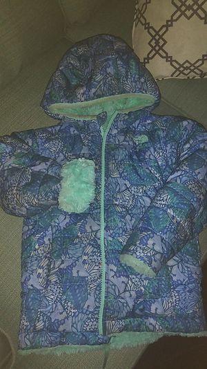 4T Northface reversible winter coat for Sale in Detroit, MI
