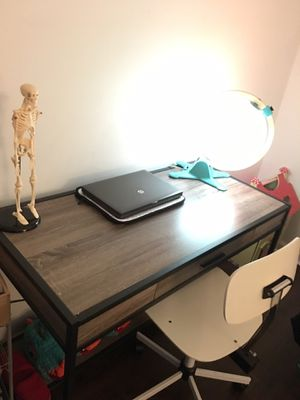 Modern Desk for Sale in West Palm Beach, FL