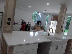 Absolute white Quartz 3cm $39,99 square feet material fabrication and installation includes for Sale in Houston, TX