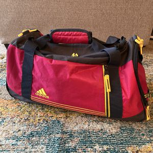Adidas Duffel Bag for Sale in Saginaw, MI