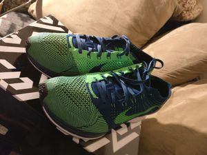 Nike FLYNIT RACER for Sale in Lakewood, WA