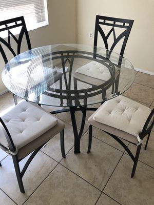 Kitchen table and chairs for Sale in Spring Hill, FL