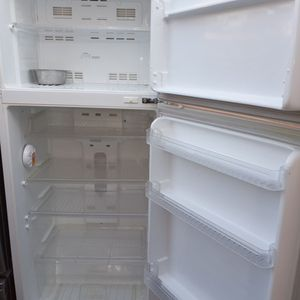 EWAVE SMALL REFRIGERATOR for Sale in Stockton, CA