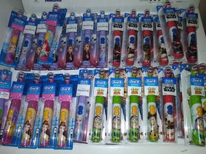 Kids Oral B electric toothbrushes for Sale in Fort Myers, FL