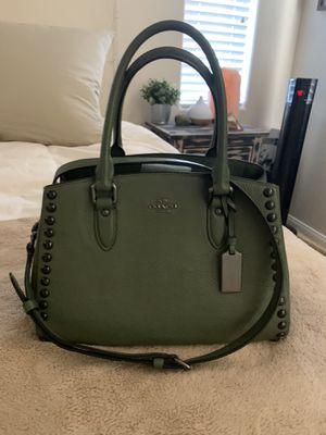 Coach cross body forest green purse for Sale in Las Vegas, NV
