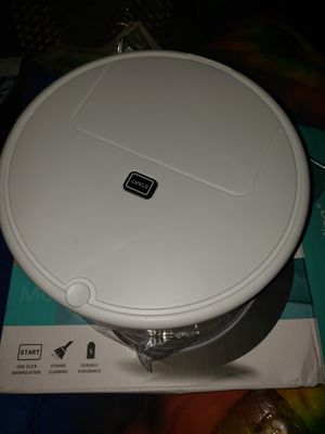 Small robotic. Sweeper vacuum for Sale in Woodburn, OR