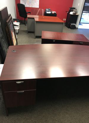 Office furniture for Sale in Carrollton, TX
