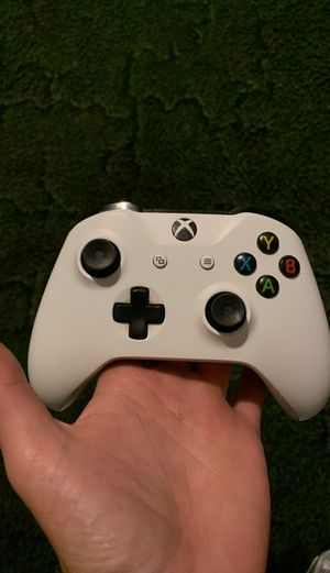 Xbox one controller for Sale in Concord, VA