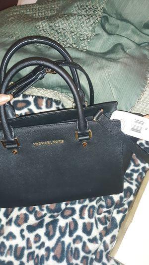 Michael Kors Selma purse &Michael Kors flex mod pumps size 9 m&Tommy Hilfiger bag for Sale in Graham, NC