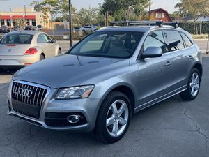 2010 Audi Q5 SUV, Clean title, Titulo Limpio, leather interior, panoramic sunroof, for Sale in Bellflower, CA