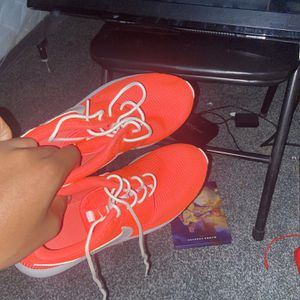 Nike Rosches Size 6y for Sale in Edmond, OK