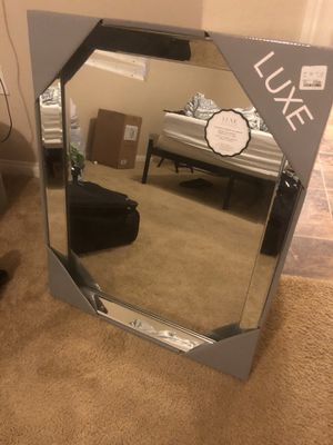 Decorative Wall Mirror for Sale in Rancho Cucamonga, CA