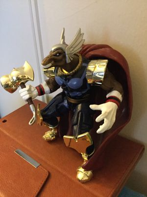 Marvel Comics Collectables 😎👍 Beta Ray Bill Marvel Comics character / Posable collectors item very cool with cape and accessories for Sale in Alexandria, VA