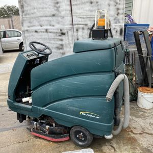 Nobles (Tennant) EZ Rider HP Floor Scrubber for Sale in Casselberry, FL