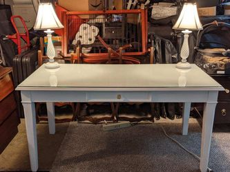 White Desk With New Glass Top And 2 Matching Lamps With New Still Wrapped Shades for Sale in Orange,  CA