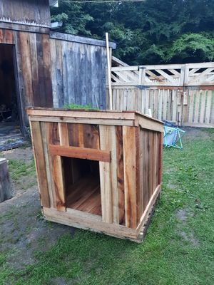 Dog house for Sale in Corning, NY