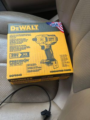Impact wrench dewalt 20v for Sale in Raleigh, NC
