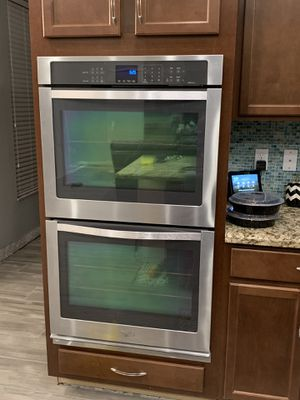 Whirpool Stainless Steel Double Wall Oven for Sale in Coconut Creek, FL