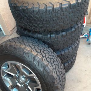 Set of Bf Goodrich Rubicon Jeep Rims And Tires for Sale in Whittier, CA