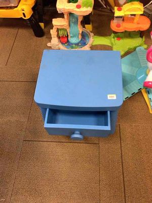 Blue child's desk for Sale in Dearborn, MI