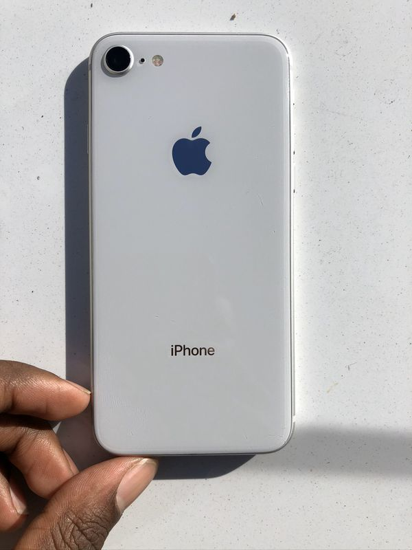 FACTORY UNLOCKED IPHONE 8/ READY FOR USE ⭐️