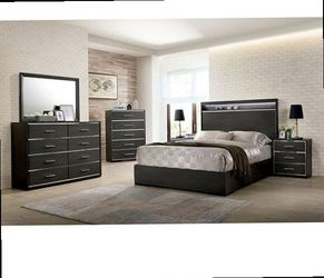 4 Pcs Queen size bedroom set. Mattress and chest no included. Check description for Sale in Pomona,  CA