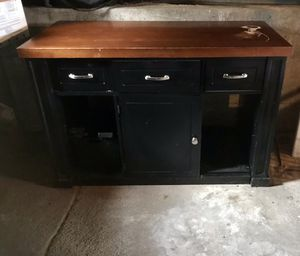 Kitchen island for Sale in Seattle, WA