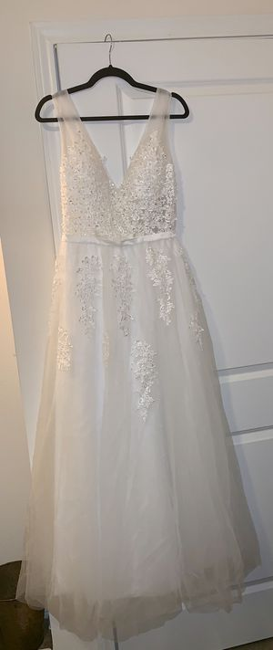 Beautiful Wedding Gown - Ivory with Tulle [Brand New] for Sale in Dallas, TX