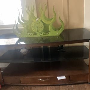 Used Tv Entertainment Stand for Sale in Fresno, CA