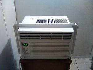 Air Conditioner LG 6,000 BTU for Sale in Brooklyn, OH