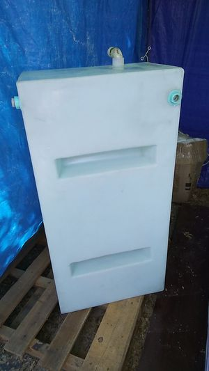 Rv or Camper 33 Gallons water tank for Sale in Redlands, CA