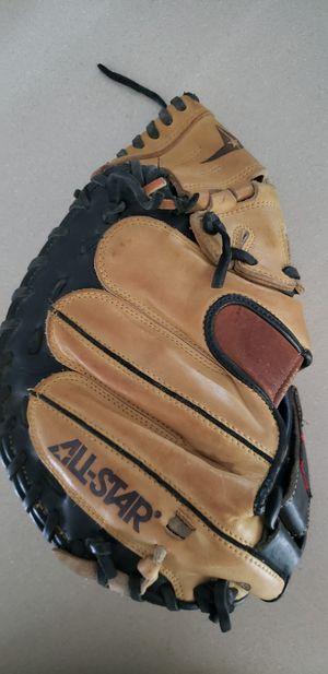 Baseball gloves for Sale in Mickleton, NJ