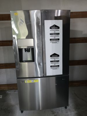 Frigidaire fridge brand new for Sale in Everett, WA