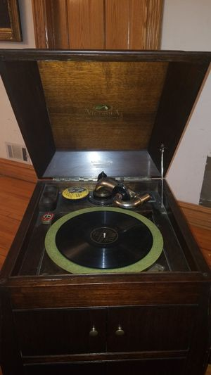 Antique Phonograph aka Vinyl Record player for Sale in Chicago, IL