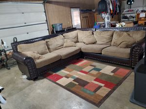 3 piece sectional couch for Sale in Julian, NC
