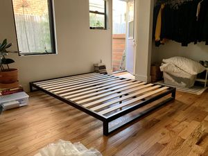 minimal queen size black bed frame - like new! for Sale in Los Angeles, CA