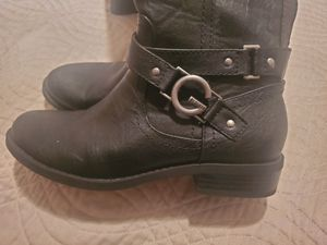 Guess boots 6.5 for Sale in Los Angeles, CA