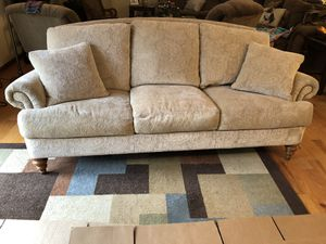 Ethan Allen paisley feathered blend couch nice clean & smoke free for Sale in Waynesboro, VA